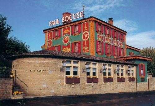 http://www.anothertravelguide.com/galerijas/connoisseurs_guide/europe/france/lyon/top_european_restaurants_by_martins_ritins/paul_bocuse/lielas/paul_bocuse1.jpg